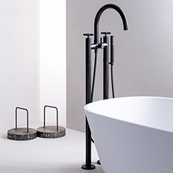 MELANGEUR BAIN DOUCHE SUR PIED CROSS ROAD BLACKMAT